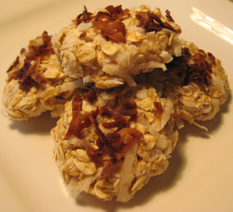 Homemade Dog Treats http://www.dogtreatkitchen.com/easy-homemade-dog-treats.html